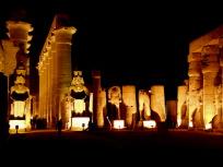 ルクソール神殿中庭