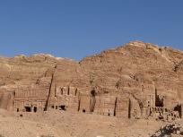 岩窟墳墓群