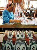 マルギランの絹織物