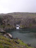 滝のある谷