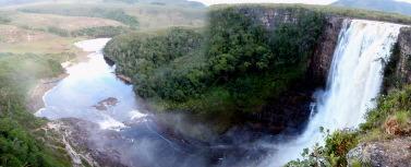 チナクの滝