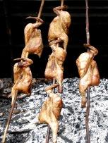 バーベキュー・チキンの昼食