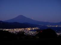 清水港の夜景と富士山