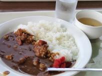 お昼ごはんのカレーライス