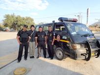 護衛のパトカー