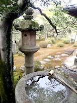 橋柱手水鉢
